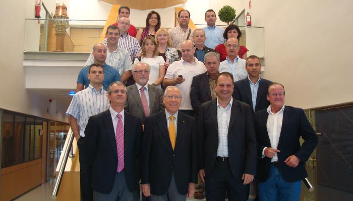 2013_06_28_portcastell traslada su nueva oferta logsitica a alcaldes y empresarios de onda y ribesalbes-01