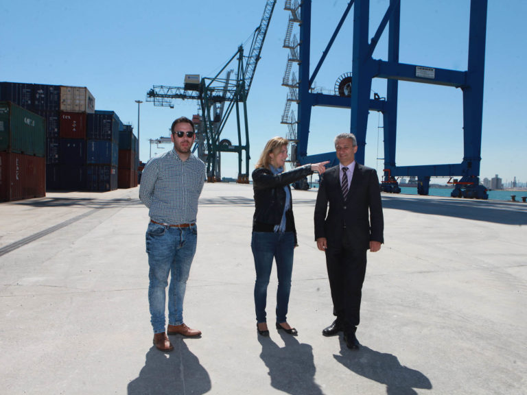 La alcaldesa de Castellón junto al presidente de la Autoridad Portuaria de Castellón y el teniente de alcalde Rafa Simó