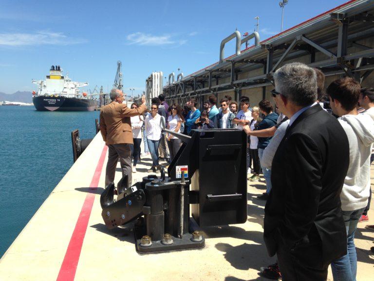 El puerto de Castellón explica a estudiantes universitarios la importancia del recinto portuario