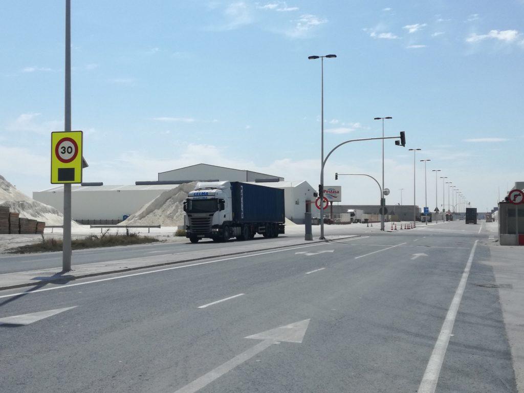 Semáforos en la dársena norte puerto de Castellón