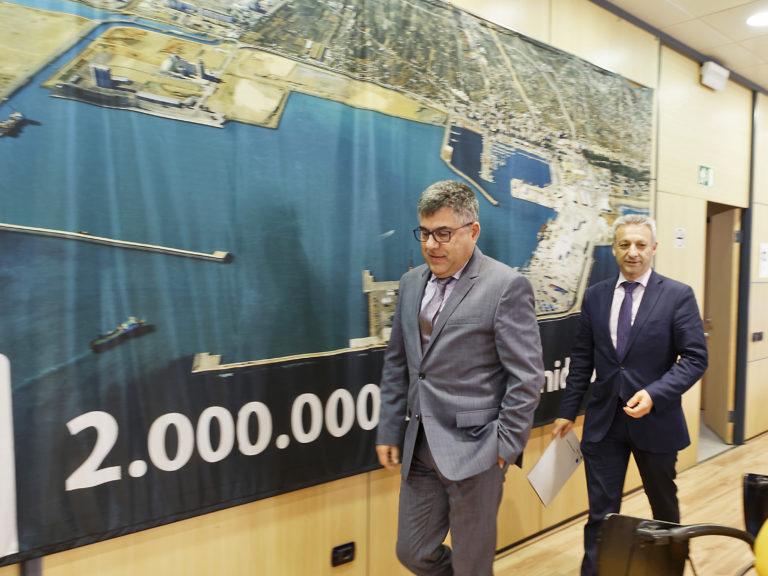 El delegado del Gobierno visita el puerto de Castellón